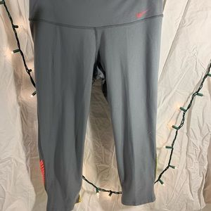 Women's Dry Fit Nike Capri leggings